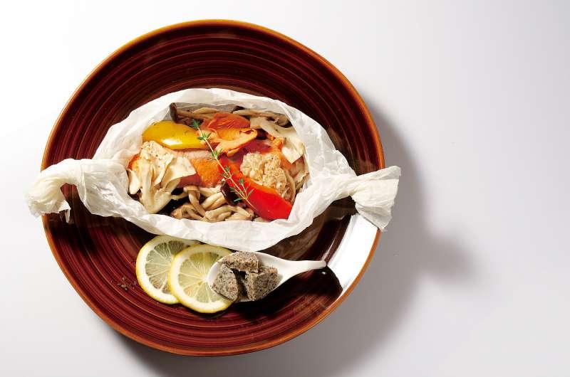 秋鮭とトリュフバターのカルトッチョ